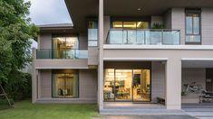 เศรษฐสิริ ปิ่นเกล้า-กาญจนาฯ บ้านเดี่ยวโครงการใหม่ จากแสนสิริ โทร. 1685 Bungalow House Design, Flat Roof, Modern House Plans, Villa, Exterior, Architecture, House Styles, Home Decor, Log Projects