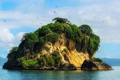 Esto isla es de gran hermosa. Yo conoce lo es caro a visitar.