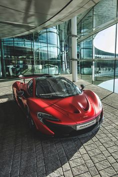 The McLaren held the world record for the fastest production car in the world for many years. The car was first produced in 1992 and still looks great today. Lamborghini, Ferrari, Maserati, Bugatti, Mclaren P1, Mclaren Cars, Porsche, Rolls Royce, Jaguar