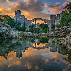 Comparateur de voyages http://www.hotels-live.com : Mostar Bridge Bosnia & Herzegovina photo by @kyrenian by awesomedreamplaces https://www.instagram.com/p/BAPynD3FNpB/ via https://scontent.cdninstagram.com/hphotos-xfp1/t51.2885-15/sh0.08/e35/926949_441621522710406_1630780199_n.jpg #Flickr via Hotels-live.com https://www.facebook.com/125048940862168/photos/a.1032999036733816.1073741891.125048940862168/1081707861862933/?type=3 #Tumblr #Hotels-live.com