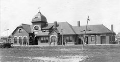 """The Santa Fe Passenger Depot in Arkansas City, Kansas, Built in 1888 and destroyed in 1950 to make room for a """"modern"""" depot. Pet Clinic, Animal Clinic, Old Train Station, Train Stations, Arkansas City Kansas, Santa Fe, Old Things, Elevator, Architecture"""