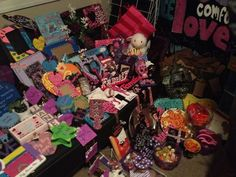 Tons of sorority crafts and searchable by organization!