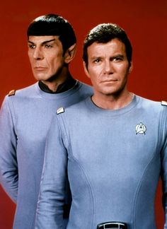 Spock (Leonard Nimoy) and Admiral Kirk (William Shatner) - Star Trek: The Motion Picture Star Trek Characters, Star Trek Movies, Fictional Characters, Star Wars, Star Trek Tos, Star Trek Enterprise, Lob, James T Kirk, Spock And Kirk