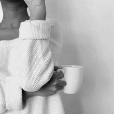 Black and white aesthetic coffee and woman Coffee Photography, Creative Photography, Lifestyle Photography, White Photography, Portrait Photography, Bedroom Photography, Morning Photography, Classic Photography, Minimalist Photography