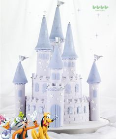 Disney cakes and sweets Disney Castle Cake, Disney Cakes, Disney Fun, Disney Theme, Occasion Cakes, Fondant Cakes, Creative Food, Cake Designs, Amazing Cakes