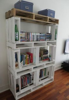 Pallet shelves- Ok this is just perfect for anyone, whether first apt, college students or just the look.  Perfect Pallet Idea!