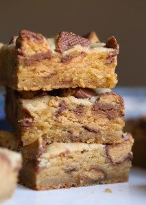 Peanut Butter Cup Blondies - Cookies and Cups