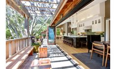 Architecture Fascinating Summer Kitchen Design Cool House In California Deck Awesome Ideas for Inviting Open Home Design Design Exterior, Interior Exterior, Luxury Interior, Indoor Outdoor Kitchen, Outdoor Decor, Outdoor Kitchens, Beautiful Kitchens, Beautiful Homes, Boho Home