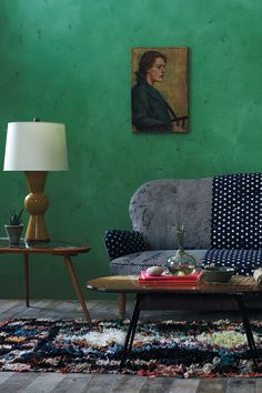 Emerald Green wall color and patina Sweet Home, Color Inspiration, Interior Inspiration, Green Rooms, Green Walls, Living Spaces, Living Room, Home And Living, Home Furniture