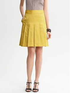 They call me mellow yellow:http://bananarepublic.gap.com/browse/product.do?cid=48422=903972002=5002,4766789,8=4766789