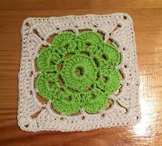 Cómo hacer un Granny Square con flor Maybelle a Crochet
