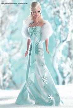 Barbie estações traz esta linda boneca, loira de olhar bonito e sensual para celebrar o inverno! Cada estação do ano tem sinais únicos e sí...