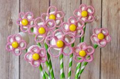 Marshmallow and Chocolate Flower Pops - THE  flowers every mom wants to receive on Mother's Day!