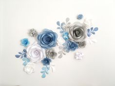 Paper Flowers by MIO GALLERY are gorgeously large, make you want to walk up and see them up close, and they never die. What a pretty world to live in, right? Use them as a backdrop, photo prop or your wedding arch alternative..... This set of 16 Unique Large Paper Flowers + 10 paper leaves contains: •4 = 2 Small Hydrangea flowers •5 = 3 Big Hydrangea flowers •6 = 5 Small Garden Roses •7 = 3 Medium Garden Roses •13 = 3 Big Garden Roses •10 = 10 Paper leaves Dont hesitate and send me a note…