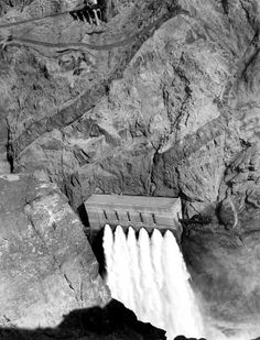Photograph - Hoover Dam, 1936 by Everett Good Old Days Magazine, Knight Of Wands, Hoover Dam, American Frontier, Famous Landmarks, Bouldering, Nevada, Mount Rushmore, Dam Construction