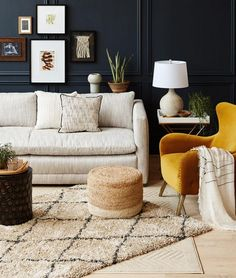 STUNNING RUG LAYERING DESIGN IDEAS FOR YOUR LIVING ROOM