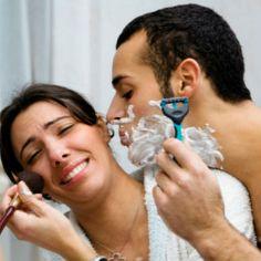 #Uomini vs #Donne. Un uomo ha in media 6 oggetti nel #bagno: uno spazzolino, un dentifricio, una schiuma da barba, un rasoio, un sapone e un asciugamano. Una donna ha in media 337 oggetti, la maggior parte dei quali un uomo non riesce a identificare.