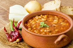 Enjoy this hearty stew with chicken sausage or a vegetarian alternative. Sausage Stew, Beans And Sausage, Chicken Sausage, Veg Recipes, Greek Recipes, Healthy Recipes, Chicken And Veg Soup, Romanian Food, Food Categories