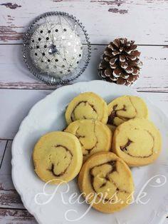 Škoricová plnka do vianočného pečiva – Recepis. Cookies, Desserts, Food, Basket, Crack Crackers, Tailgate Desserts, Deserts, Biscuits, Essen