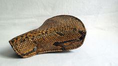 Selle de vélo enfant vintage imitation serpent python / 1960 rétro / accessoire vélo collection / plastique marron gris / vélo ancien de la boutique Germaineavelo sur Etsy