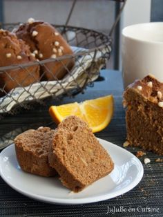 Gingerbread with candied orange peel Sweet Recipes, Cake Recipes, Vegan Recipes, Dessert Recipes, Food Cakes, Tea Loaf, Candied Orange Peel, Cake & Co, Tasty