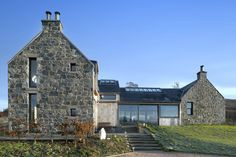 Helen lucas architects edinburgh project shepherds cottage e Stone Cottages, Stone Houses, Style At Home, Architecture Details, Modern Architecture, Cottage Extension, Barn Renovation, Rural House, Modern Farmhouse Exterior