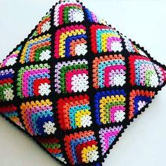 Crochet Cushion Cover, Crochet Pillow Pattern, Crochet Cushions, Crochet Motif, Crochet Baby, Baby Knitting Patterns, Crochet Patterns, Crotchet Stitches, Beading Patterns Free