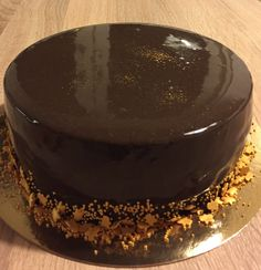 Mirror Glaze Tiramisu, Glaze, Mirror, Ethnic Recipes, Food, Homemade, Pies, Enamel, Meal