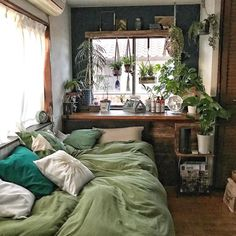 bedroom green 33 Lovely Simple Bedroom Decor Ideas That You Should Try Simple Bedroom Decor, Room Ideas Bedroom, Modern Bedroom, Bed Room, Bedroom Designs, Bedroom Inspo, Contemporary Bedroom, Bedroom Furniture, Cozy Bedroom