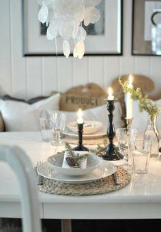 inviting Scandinavian Christmas table