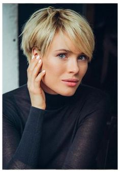 Blonde Pixie Haircut, Curly Pixie Haircuts, Pixie Haircut Styles, Short Hairstyles For Thick Hair, Haircuts For Fine Hair, Girl Haircuts, Blonde Hair, Short Hair Styles, Funky Short Haircuts