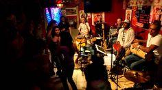 PAGODE DO JAMBO en BRAZIL TIME à la CASA LATINA 5 ( Bordeaux 01-11-2013) BRAZIL TIME à la CASA LATINA ( bordeaux)  21H00 BAL BRESILIEN !!!!!! minuit TAÏNOS TIME !!!!!!  CASA LATINA devient pour la soirée CASA DO BRAZIL ! avec les musiciens du groupe PAGODE DO JAMBO ! La voix et la danse sont à l'honneur comme dans la plupart des musiques brésiliennes. !  PAGODE DO JAMBO, c'est 5,6 musiciens passionnés par leur pays et leurs traditions !!