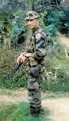 Mira Zajicek uploaded this image to 'foto nam'. See the album on Photobucket. Vietnam History, Vietnam War Photos, American War, American Soldiers, Marine Recon, Brown Water Navy, Camouflage Patterns, Man Of War, Green Beret