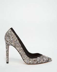 For the complete glitter bombshell look this party season, these heels are necessary <3