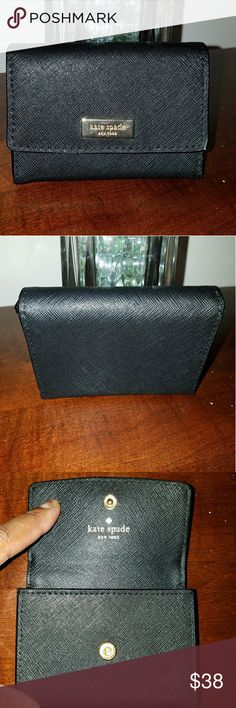 Kate Spade Wallet Excellent Condition only used once kate spade Accessories