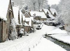 Arlington Row, Bibury, The Cotswolds, Gloucestershire in winter I Love Winter, Winter Snow, Winter Christmas, Winter Walk, Retro Christmas, Winter White, Christmas Clock, Snow White, Magical Christmas