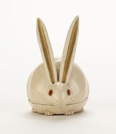 Kyoto ware incense box in shape of crouching rabbit  mid 17th century or later    Nonomura Ninsei , (Japanese, active ca. 1646-77)   Edo period     Stoneware with enamels over clear glaze  H: 8.2 W: 7.3 D: 5.5 cm   Kyoto, Japan