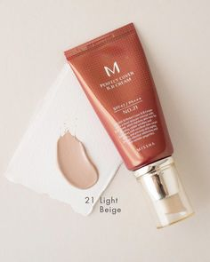 Perfect Cover Missha BB Cream SPF 42 offers medium coverage that hides blemishes, protects from sun damage & evens out skin tone. Natural Skin Whitening, Teeth Whitening, Cellulite Remedies, Even Out Skin Tone, Good Massage, Lighten Skin, Pores, Light Beige, Good Skin