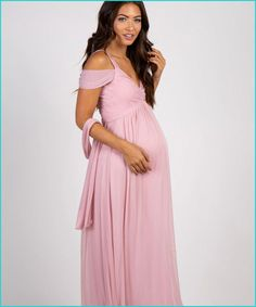 b44e880c102 16 Stunning Dresses for an Unforgettable Maternity Photo Shoot
