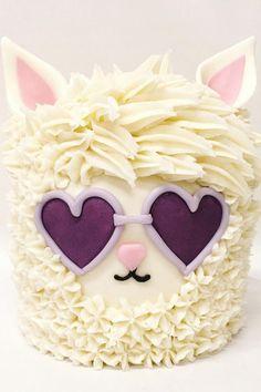 Adorable llama cake with heart-shaped sunglasses Fancy Cakes, Cute Cakes, Beautiful Cakes, Amazing Cakes, Cake Cookies, Cupcake Cakes, Llama Birthday, Salty Cake, Girl Cakes
