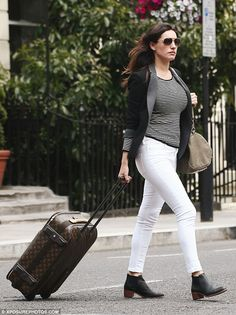 Street style: We love Kelly Brook's laid back monochrome look!