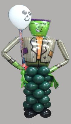 Halloween Sculpture #Halloween #Frankenstein #balloons #mylar #green #cute #scary #fun #party