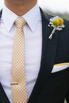 Geometric themed wedding full of DIY: http://www.stylemepretty.com/2014/06/26/geometric-themed-wedding-full-of-diy/ | Photography: http://www.sunny16photos.com/