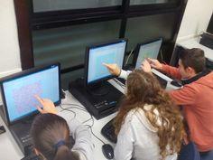 Lanzando dardos aleatorios en GeoGebra y contando puntos dentro de la forma irregular. Después ya aprendimos a hacerlo con un poco de código Electronics, Shape, Darts, Dots, Consumer Electronics