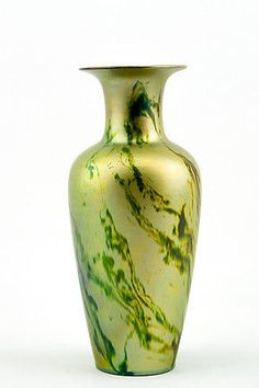 the catalog of china products Art Nouveau, Green Magic, Art Deco Era, Flower Vases, Flowers, Pottery Art, Green And Gold, Design Projects, Stoneware
