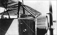 O Morane Saulnier L de Garros com uma Hotchkiss e defletores nas pás das hélices.