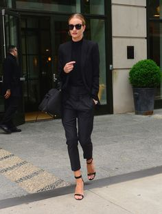 Which shoes are the Vogue girls loving this season? From Gigi Hadid to Alexa Chung and Kate Moss, get a closer look at their favorite styles and labels. Fashion Week, Love Fashion, Fashion Outfits, Rosie Huntington Whiteley, Monochrome Fashion, Minimal Fashion, Normcore Outfits, Minimalist Wardrobe Essentials, Vintage Black Glamour