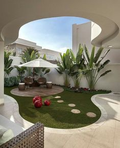 34 Admirable Modern Backyard Design Ideas You Will Love - A Backyard In The House Is An Extension Of The House. Taking a gander At The Backyard, Anyone Can Tell About The Kind Of People Staying The House. Front Yard Landscaping Design, Modern Backyard, Small Backyard, Terrace Garden Design, Patio Design, Outdoor Patio Decor, House Plants Decor, Small Backyard Garden Design