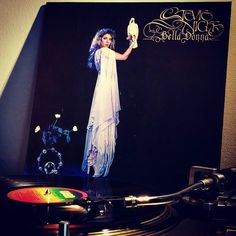 #THE12DAYSOFVINYL 9. Female artist STEVIE NICKS Bella Donna (1981)  Hard to believe it took until 1981 for Stevie to release her first solo album. And Jimmy Irvine did a great job of not over producing it and with the help of Tom Petty &  Don Henley on vocals you know it's gotta be interesting. The killer for me is the impressive line of musos: #roybittan #mikecampbell #dandugmore #donaldduckdunn #donfelder #daveyjohnstone #russkunkel #benmonttench And the most underrated session guitarist…