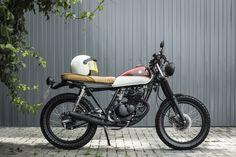 Há muito tempo vinha observando algumas motos customizadas, mas nunca me chamava muita a atenção até conhecer os estilos de cafe racer…